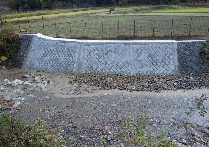 (一)円山川水系 米地川 河川災害復旧工事(甲347号) 工事後