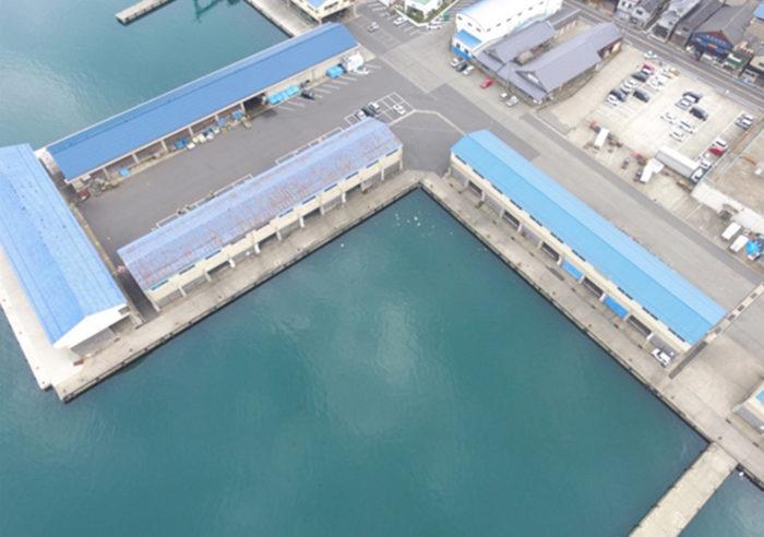 香住漁港西港-4.0m岸壁改良工事(その4) 工事前