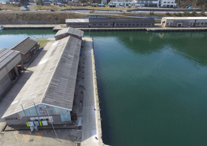 浜坂漁港係留施設付属設備設置工事 工事後